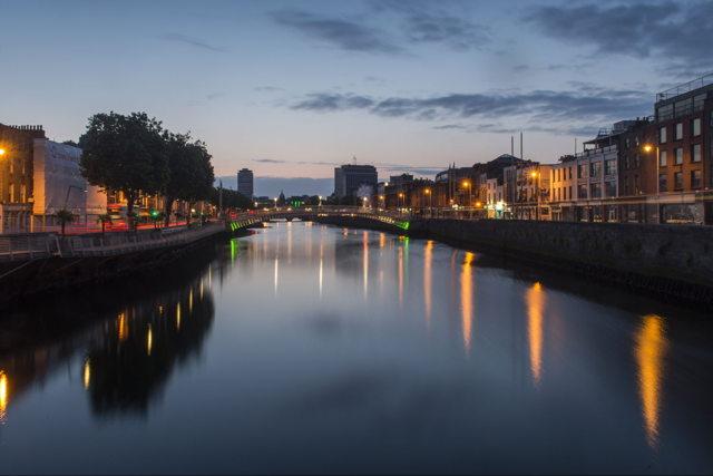 Ha'penny Bridge, The River Liffey          Dublin