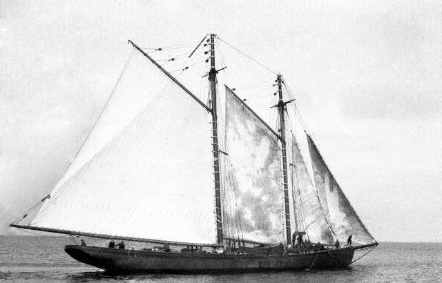 Banking Schooner 'Lillian M. Richards' - Grand Bank - 1930s