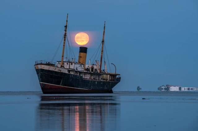 SS Kyle and Full Wolf Moon