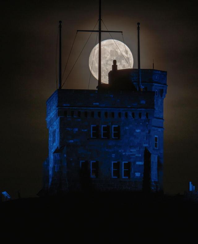 Signal Hill Spooky Moon