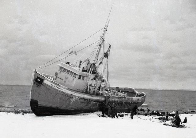 Herring seiner 'Silver King' ashore near Grand Bank-1974