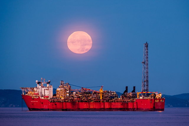 Terra Nova FPSO Moonset