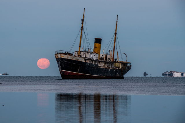 SS Kyle  and  Wolf Moon