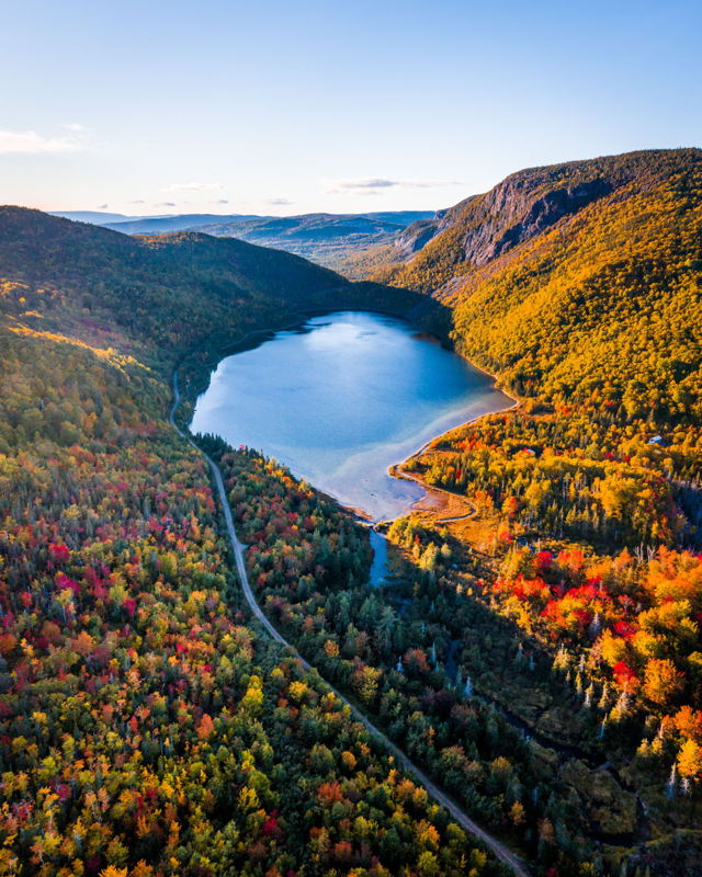 Fall Colours Emerge in the Humber Valley