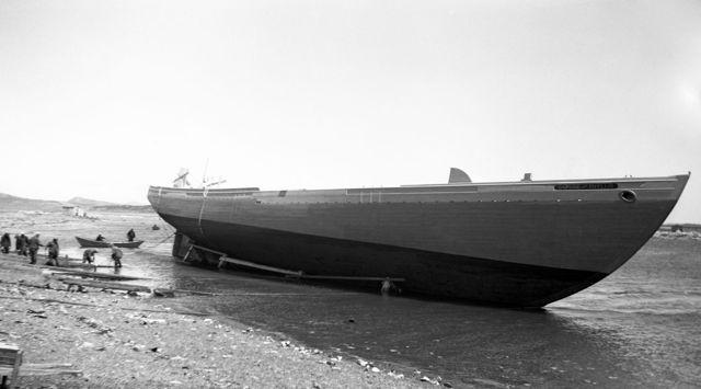 Daphne and Phyllis - Garnish mid 1940s
