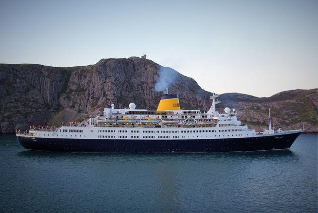 Cruise Ship - Saga Ruby, Signal Hill
