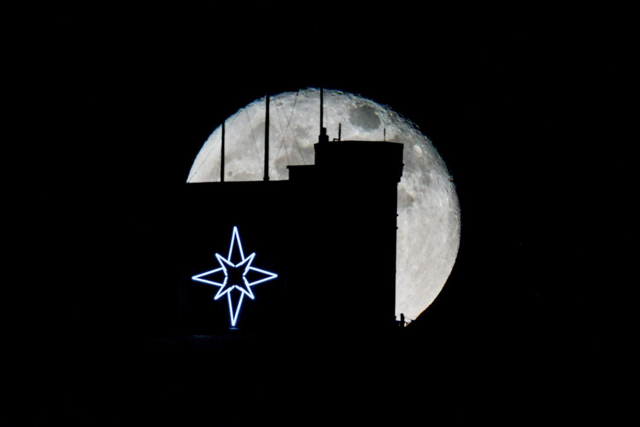 Boxing Day Full Moon