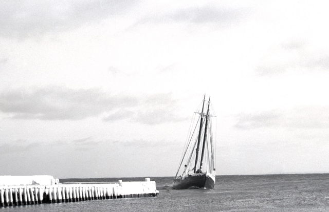 Grand Bank banking-schooner arriving port - 1940s