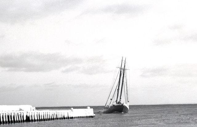 Grand Bank banking-schooner arriving port - 1940s